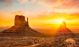 夕阳下美丽的隔壁和山丘摄影美高梅