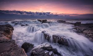 海面上形成的瀑布美景摄影高清图片
