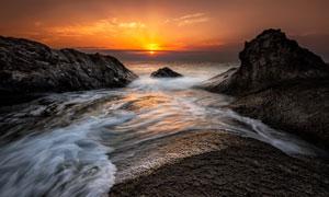汇入大海中的河流风光摄影高清图片