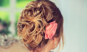 头上别着花的新娘人物摄影高清图片
