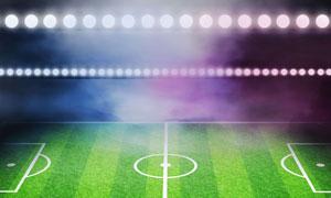 在灯光照耀下的足球场草原高清图片