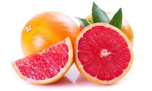 切开的葡萄柚近景特写摄影高清图片