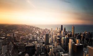 大海边的城市建筑鸟瞰风光高清图片