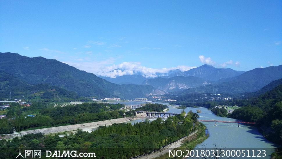 都江堰鱼嘴美景摄影图片