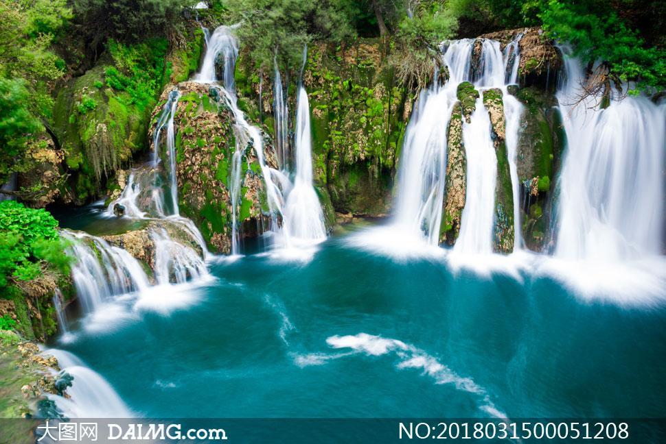 大图首页 高清图片 自然风景 > 素材信息          山中流淌的溪流和