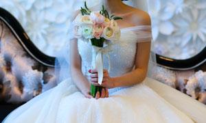 穿白色婚纱的新娘特写摄影高清图片