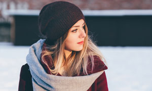 秋冬服饰装扮美女人物摄影高清图片