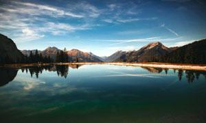 白云天空湖光山色风景摄影高清图片