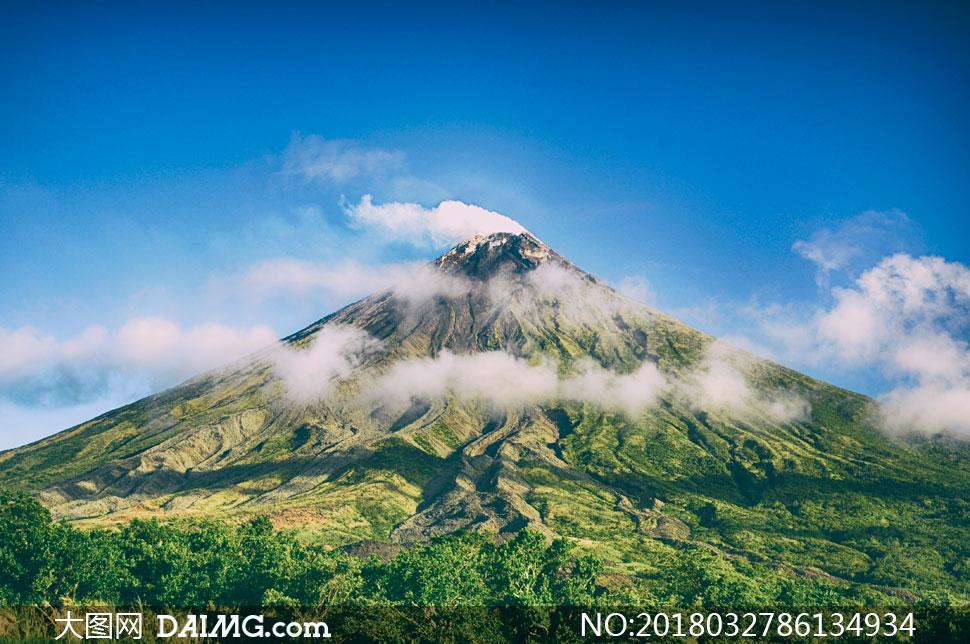 藍天白云青山自然風景攝影高清圖片