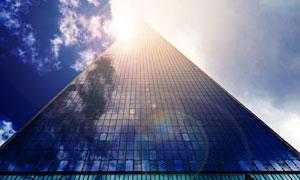 蓝天白云城市大楼景观摄影高清图片
