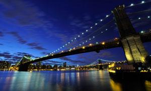 大桥与城市建筑群夜景摄影高清图片