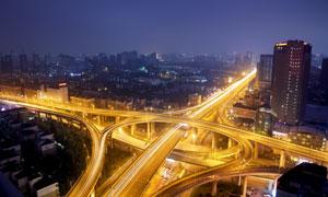 十字路口的高架立交桥摄影高清图片