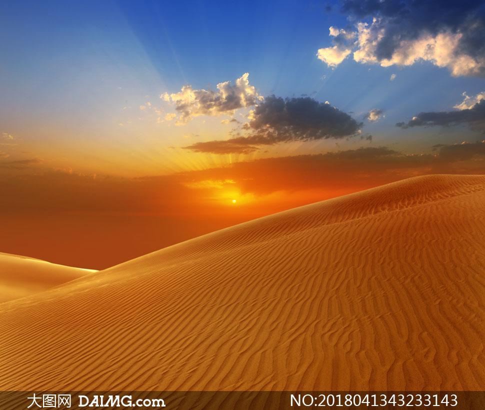 关 键 词: 高清图片大图素材摄影自然风景风光沙漠大漠黄沙沙丘天空
