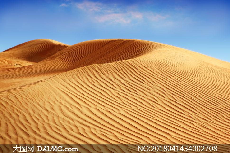 关 键 词: 高清图片大图素材摄影自然风景风光沙漠大漠黄沙沙丘天空云