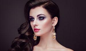 戴耳环的浓妆美女人物摄影高清图片