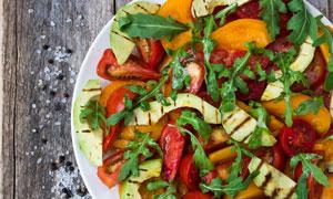 牛油果西红柿水果蔬菜沙拉高清图片