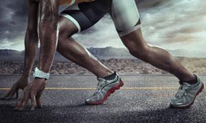 蹲踞式起跑姿势的体育人物高清图片