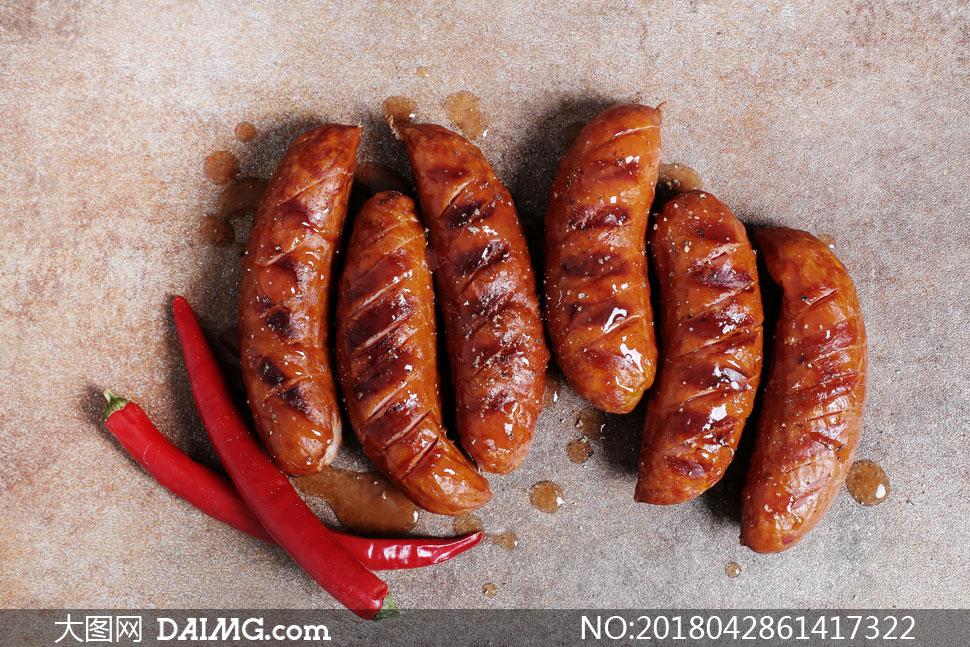 辣椒与烤好的美味香肠摄影高清图片 - 大图网设计素材