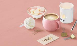 咖啡杯糖果与花朵卡片贴图分层模板
