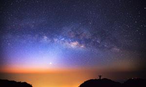 可看到星云的夜晚星空攝影高清圖片