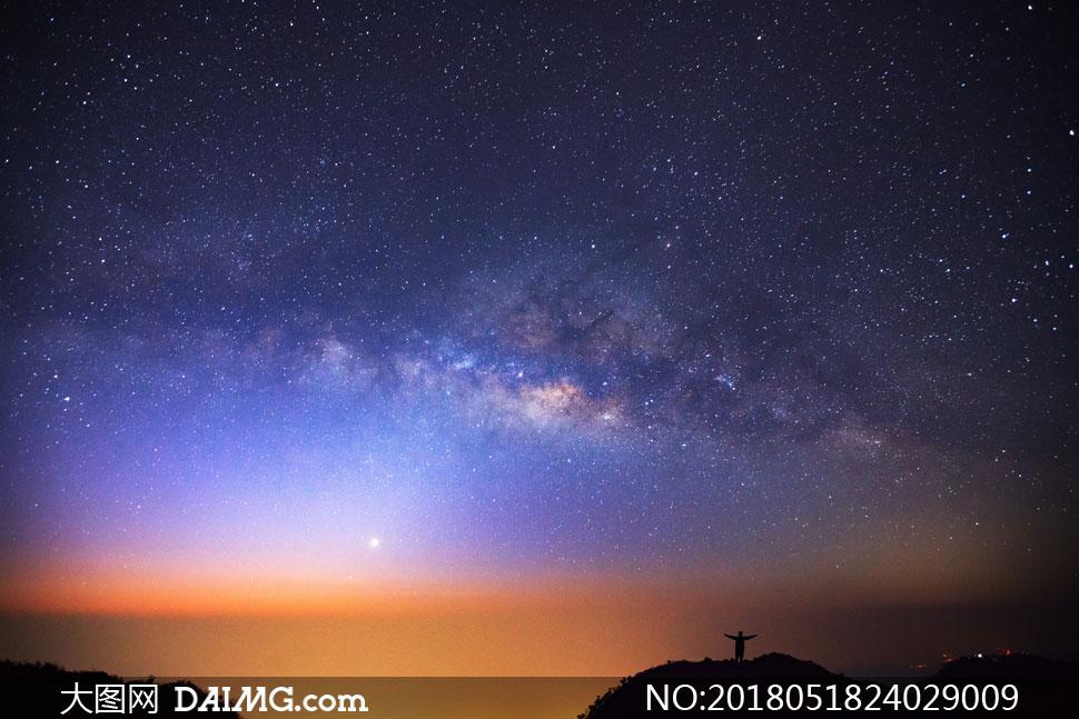 可看到星云的夜晚星空摄影 澳门线上必赢赌场