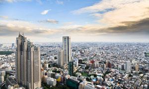 蓝天白云城市建筑鸟瞰视角高清图片