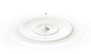 液态奶形成的波纹涟漪摄影高清图片