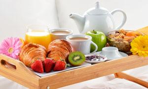 茶几上的水果与咖啡等摄影高清图片