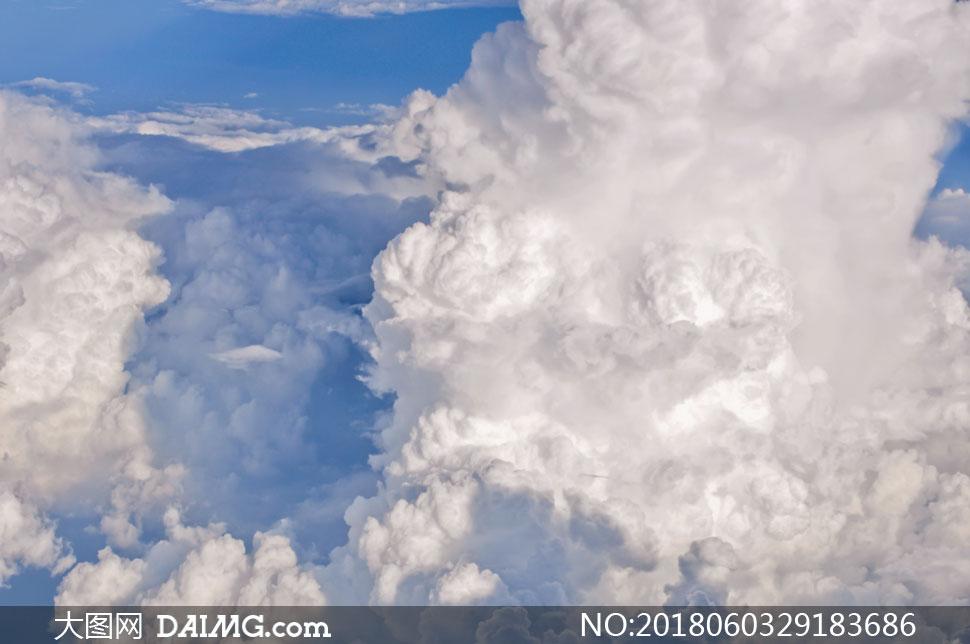 关 键 词: 高清图片大图素材摄影风景风光自然天空蓝天云彩云层多云