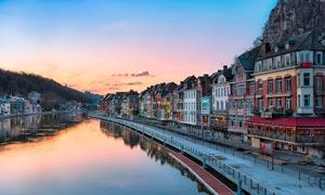 欧美河边小镇黄昏美景摄影图片