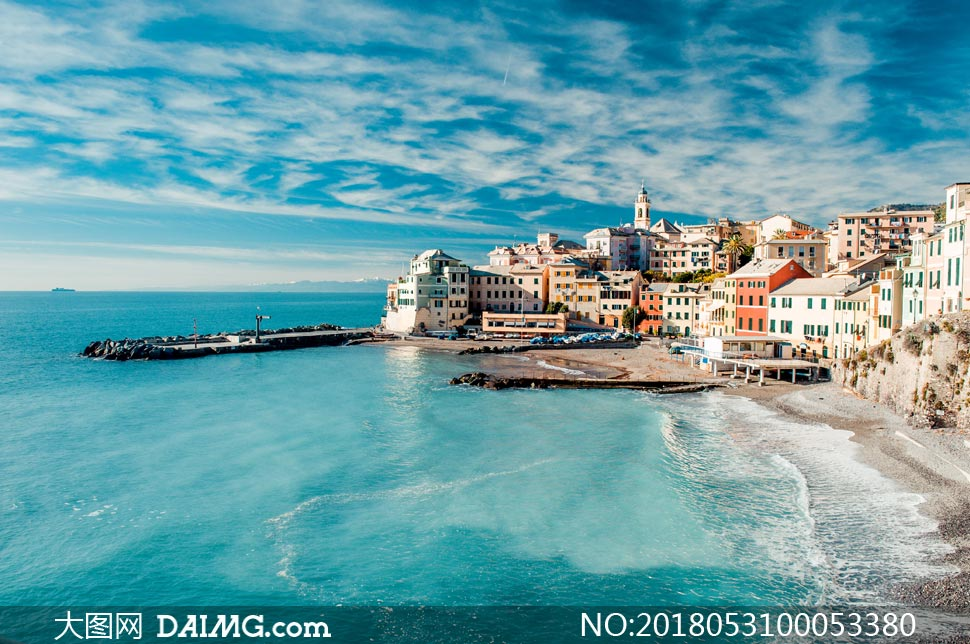 关 键 词: 海岸线蓝天天空建筑物欧式建筑海滩沙滩海浪大海海洋山水