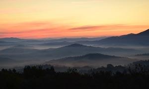 山顶云海云雾黄昏美景摄影图片