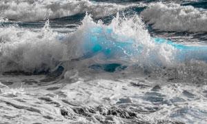 海面上激起的浪花风景摄影高清图片
