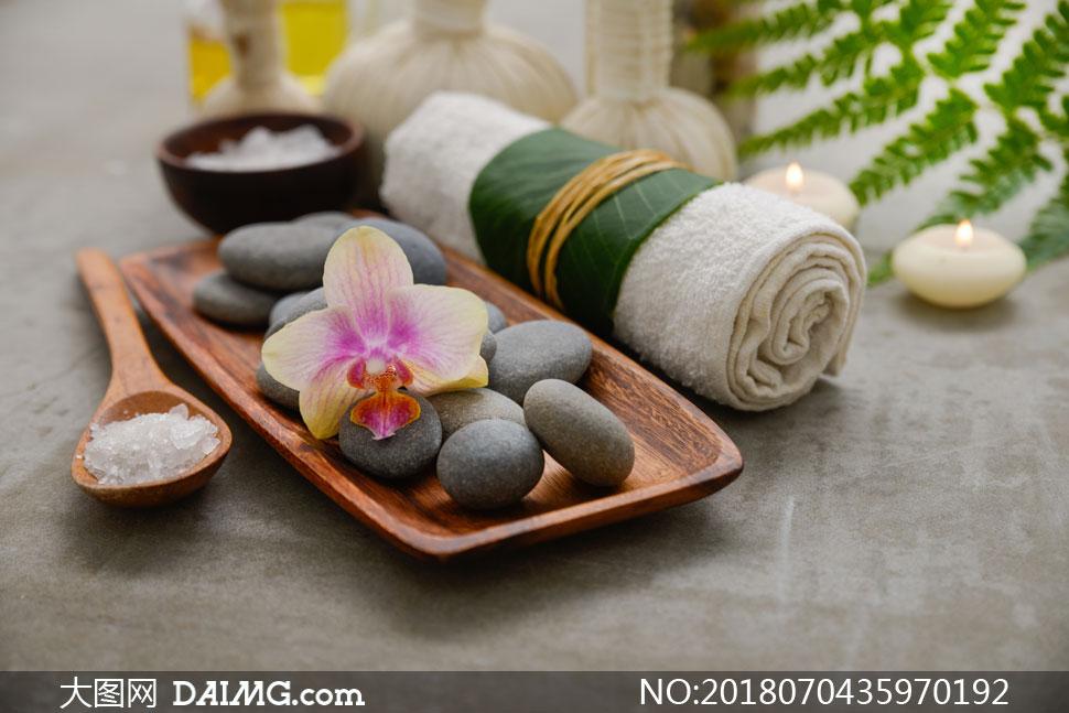 浴巾的叠法花形步骤
