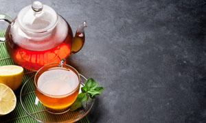 茶壶与沏好的热茶特写摄影高清图片