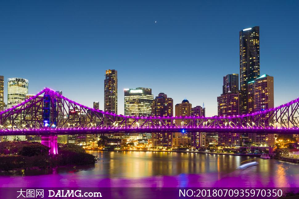 夜景城市建筑物建筑群楼房大楼高楼大厦写字楼商务楼桥梁大桥水波波光