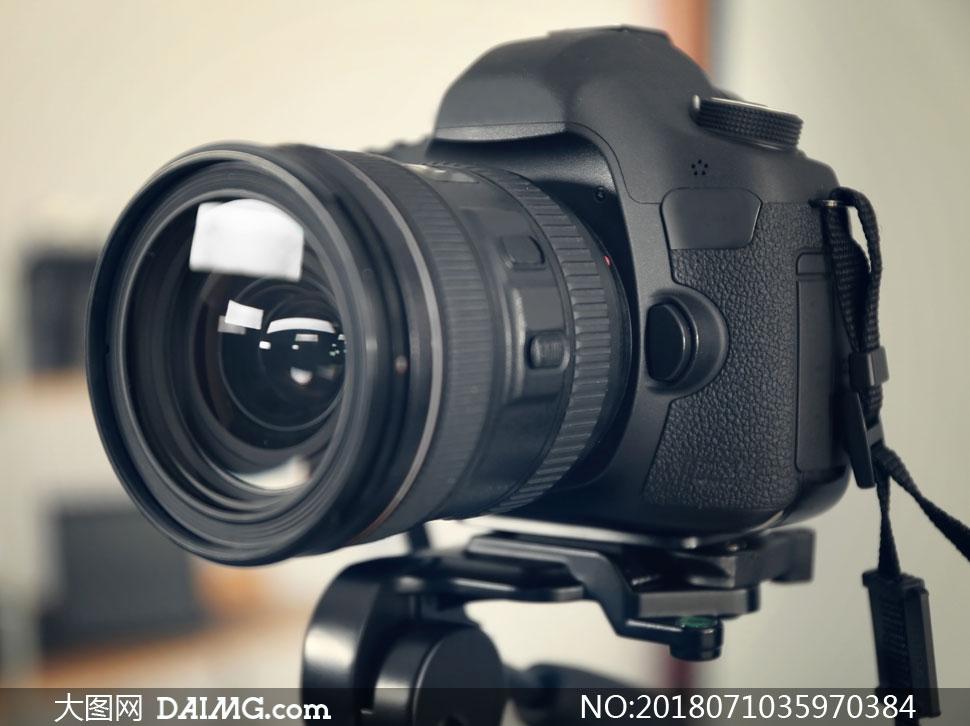 关 键 词: 高清图片大图素材摄影近景特写微距照相机器材镜头 注意