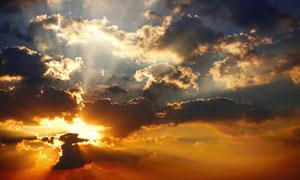 黄昏天空中的云层风光摄影高清图片