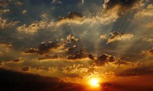日落时分天空夕阳云彩摄影高清图片
