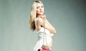 长腿裙装金发美女人物摄影高清图片