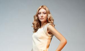 叉腰姿势服饰模特人物摄影高清图片