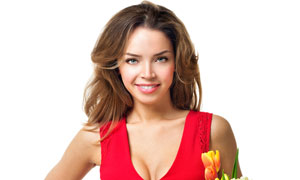拿郁金香花的红裙美女摄影高清图片