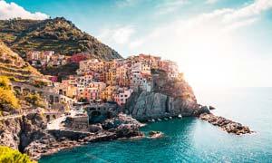 欧美海边美丽的城镇摄影图片