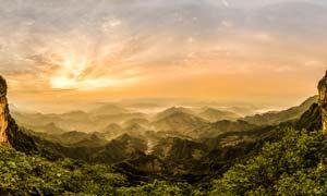 摩围山飞云口全景摄影图片
