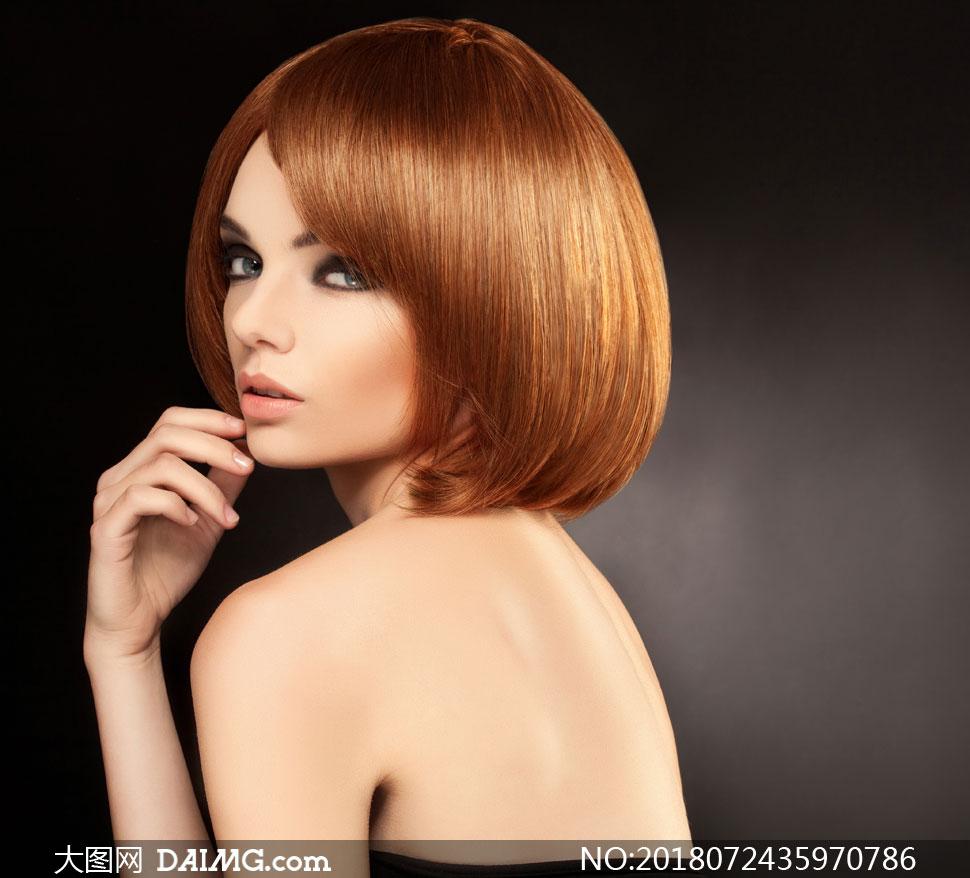 关 键 词: 高清摄影大图图片素材人物美女女人女性写真模特秀发莹亮