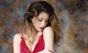 卷发红唇裙装美女模特摄影高清图片