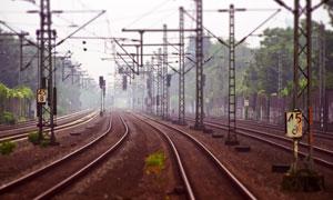 车站多条铁轨景观风光摄影高清图片