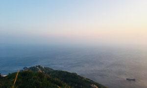 大海边岛屿与海天一色摄影高清图片