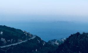 从山顶鸟瞰的大海小岛摄影高清图片