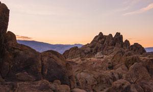 黄昏奇峰怪石景观风光摄影高清图片